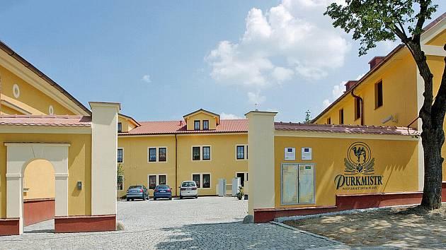 PIVOVARSKÝ DVŮR V ČERNICÍCH. Stavba, která vyhrála u čtenářů Deníku.