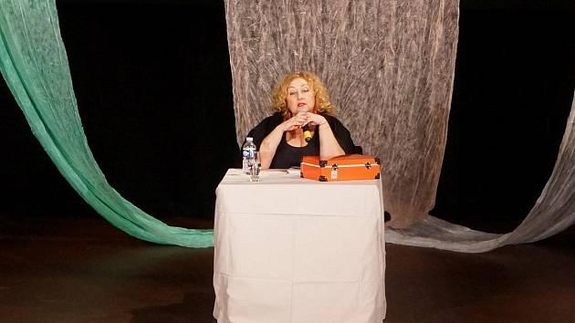 Populární moderátorka Halina Pawlovská bavila publikum ve velkém sále domažlického MKS.