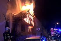 Požár domu v Dukelské ulici.