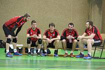 ZMAR. Domažličtí volejbalisté (na archivním snímku) nezvládli derby v Plzni proti domácí Slavii a ztráta na druhou rezervu Příbrami se navýšila už na sedm bodů.