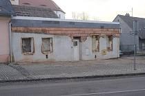 Bývalý bazar prochází přestavbou.