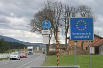 Hraniční přechod Všeruby by měl zůstat stále otevřený, ale jen pro osoby, které jezdí přes hranice pravidelně, například za prací.