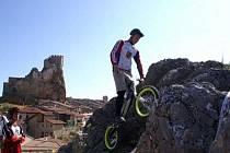 FILIP KLOUČEK z Dynama Horšovský Týn skončil na nedávném Mistrovství světa v cyklotrialu ve Španělsku devátý.