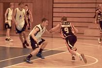 Basketbalisté v akci.