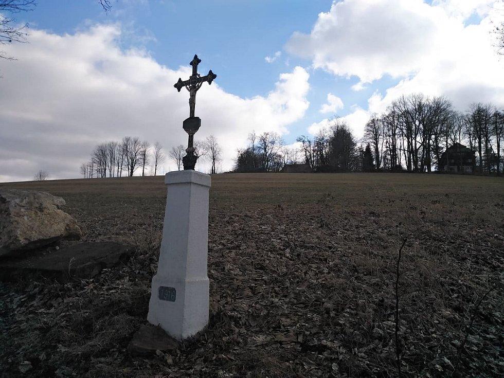 Křížek pod Veselou horou.