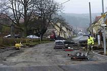 CO NEJDŘÍVE by měly být dokončené části silnice, kde se pracovalo, aby nic nebránilo otevření silnice a zimní údržbě.