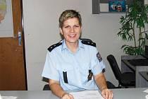 Dagmar Brožová. Po získání zkušeností v různých složkách policie dělá okresní policejní mluvčí.