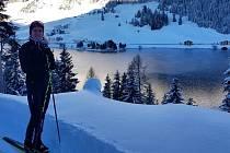 Pozdravy z Davosu fanouškům zasílá Kateřina Razýmová. Lyžařka ve Švýcarsku dnes vstupuje do seriálu Tour de Ski, který vyvrcholí 5. ledna výjezdem na sjezdovku Alpe de Cermis.