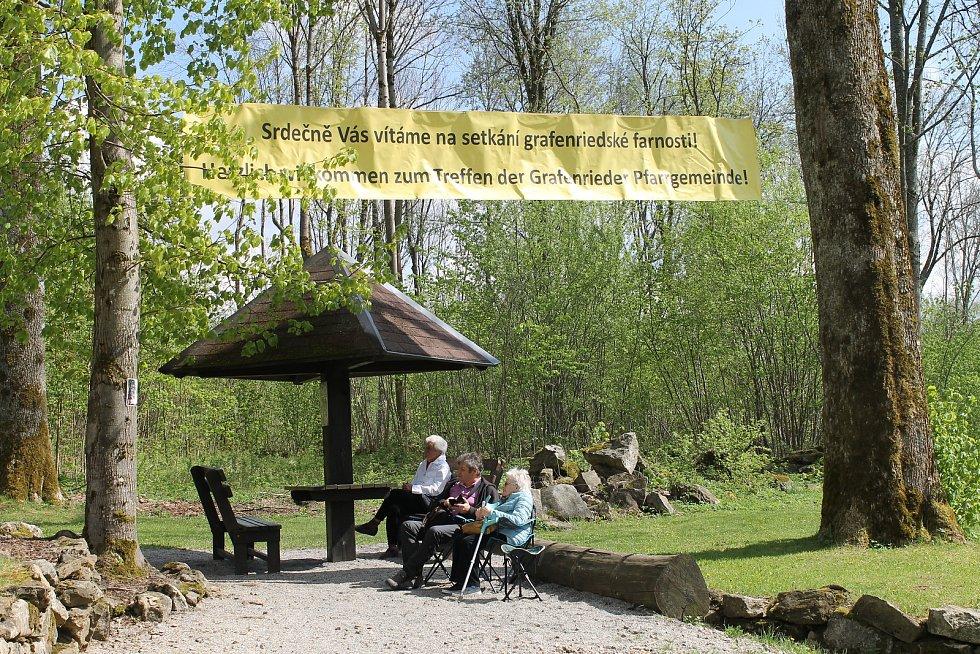 V sobotu se konala v zaniklé obci Lučina česko-německá mše.