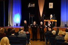 Mužské vokální kvarteto Q VOX a hráčka na cimbál Magdalena Múčková vystoupili v Domažlicích.