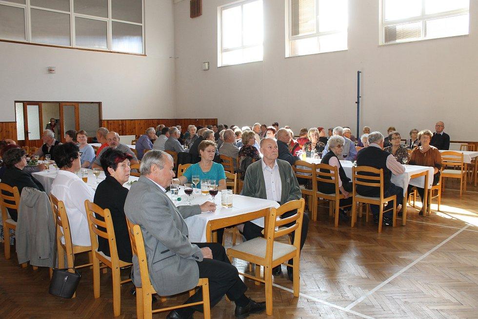 Dvacátý ročník setkání seniorů v Zahořanech.
