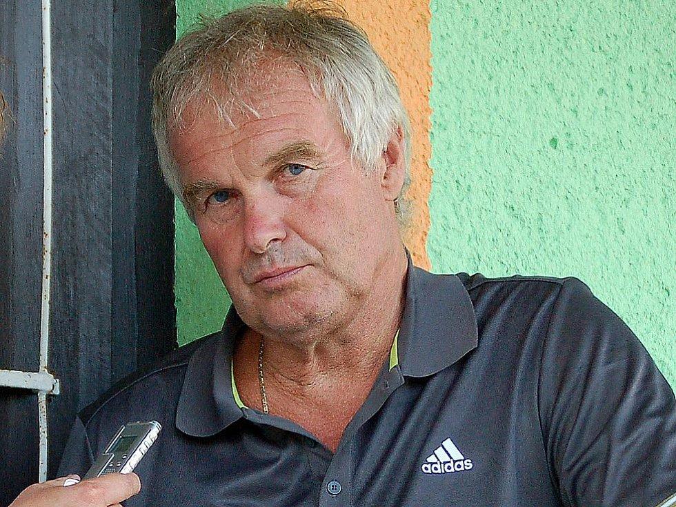 Trenér Jiskry Domažlice Zdeněk Michálek.