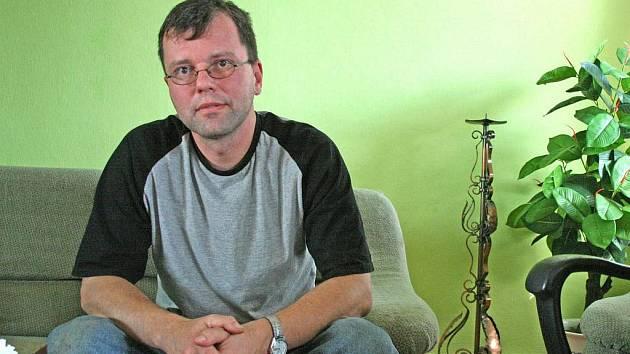 Bělský farář P. Miroslav Vančo je krádeží zklamán, přestože si je vědom, že zabezpečení fary bylo nedostatečné a začal kvůli tomu dělat opatření.