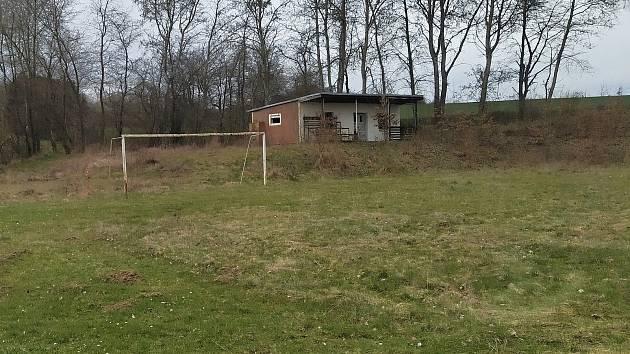Ve Stráži zchátraly i kabiny postavené v roce 1972.