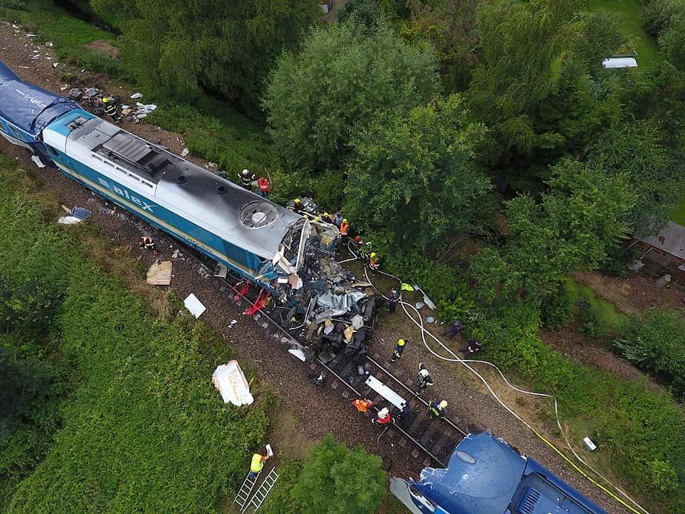 Z místa železničního neštěstí.