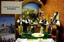 Z účasti zástupců měst Domažlicka na Regiontour 2014 v Brně.