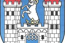 Beran odkazuje na Dobrohostův znak, labuť pak na Švamberky.