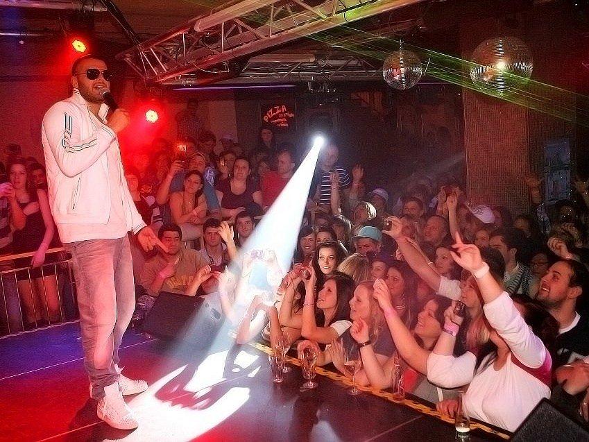 Patrik ´Rytmus´ Vrbovský vystoupil v domažlickém Music Clubu Dubina