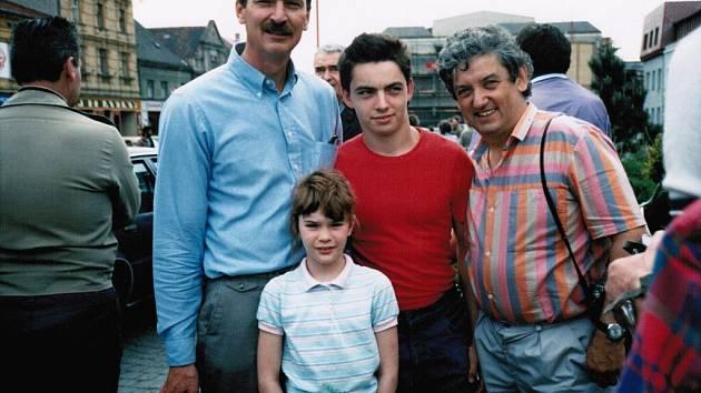 Snímek byl pořízen v  Kolovči v květnu 1989 nebo 1990 při oslavách osvobození městečka