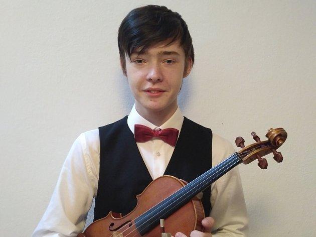 Mladý houslista Ladislav Tichý.