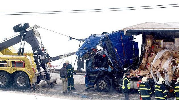 Nehoda u Libkova.