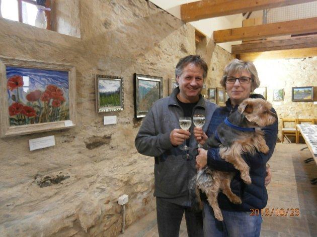 Na výstavu se zDomažlic přijeli podívat imanželé Kulhánkovi se psem Maxíkem.