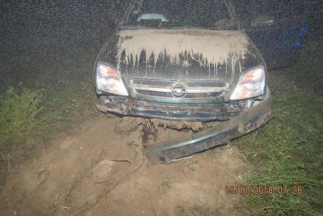 Na osobním vozidle Opel vznikla škoda 30tisíc korun.