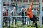 Zápas s SK Klatovy byl prvním mistrovským mačem fotbalistů Slavoje Koloveč A poté, co klub místo divize přihlásil krajský přebor.