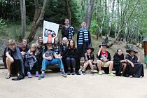 Táborníci se v Újezdě proměnili v mladé čaroděje.