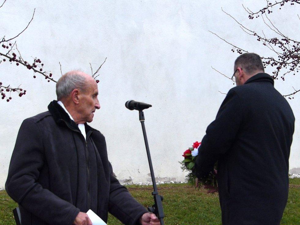 Z pietního aktu u pomníku obětem III. odboje.