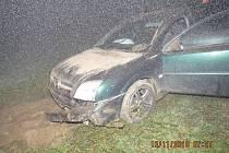 Na osobním vozidle Opel vznikla škoda 30 tisíc korun.