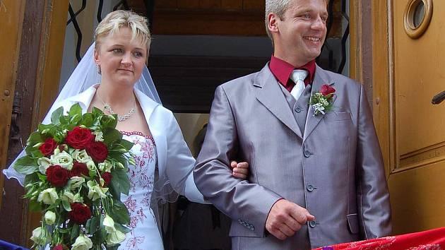 Daniela Rousová a Miroslav Jílek si řekli své ano v kostele v Chodské Lhotě.