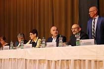 Setkání starostů a místostarostů s hejtmanem Josefem Bernardem ve Staňkově.