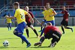 SK Rakovník  (ve žlutém) dobře začal, vedl 2:0, ale po obratu slavily Domažlice výhru 4:3.