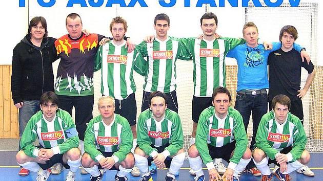 Společná fotografie futsalistů Ajaxu Staňkov.