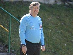 Milan Vogeltanz musí ukončit kariéru fotbalového rozhodčího.