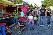 Z CHODSKÝCH SLAVNOSTÍ. Domažlické ulice se změní v jedno obrovské tržiště.