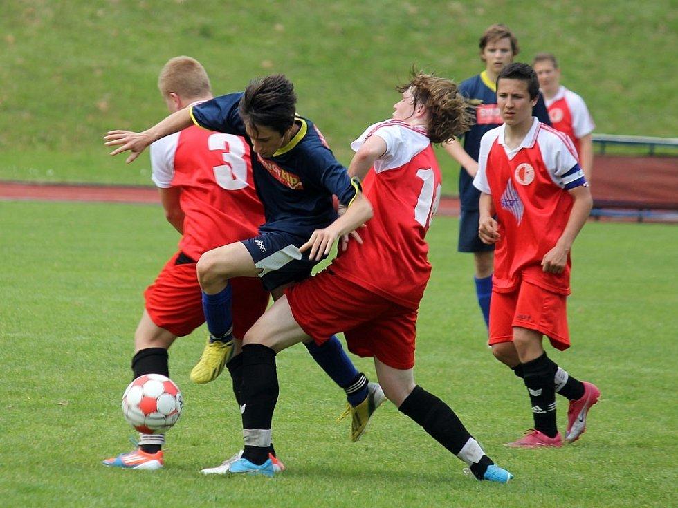 Mladší dorostenci Jiskry Domažlice porazili v posledním mistrovském utkání sezony Slavii Vejprnice a vyhráli krajský přebor.