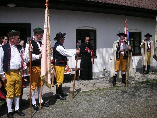 Ze slavnosti v obci Pelechy.