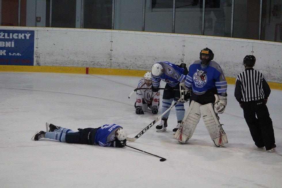 Hokejisté HC Domažlice skončili stříbrní. Dramatický druhý finálový duel rozhodly až samostatné nájezdy