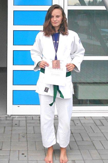 Skvělý výsledek za sebou má také Šárka Zdeborová, která vybojovala bronzovou medaili.