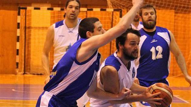 Basketbalisté Domažlic doma urvali jen jednu výhru