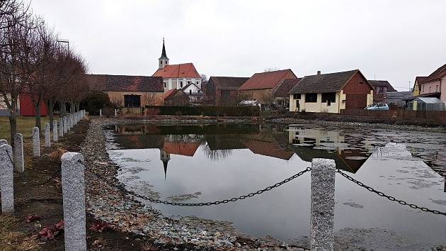 Milavče jsou rodnou vesnicí zasloužilého umělce, výtvarníka a spisovatele Josefa Váchala.