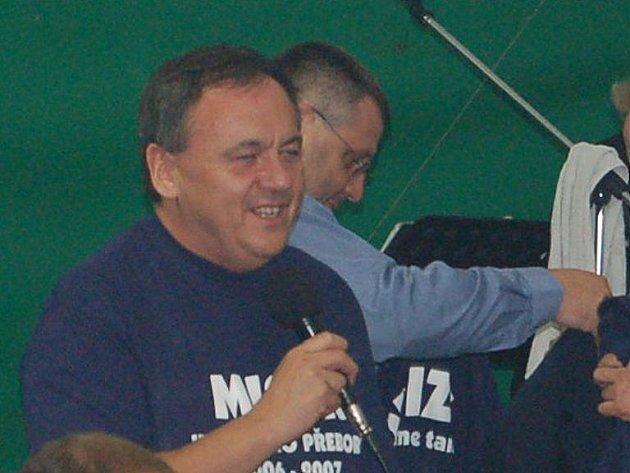 Jan Látka při nedávných fotbalových oslavách postupu