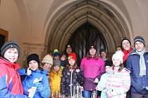 O betlémské světlo byl na Štědrý den velký zájem v Domažlicích i Klenčí pod Čerchovem.