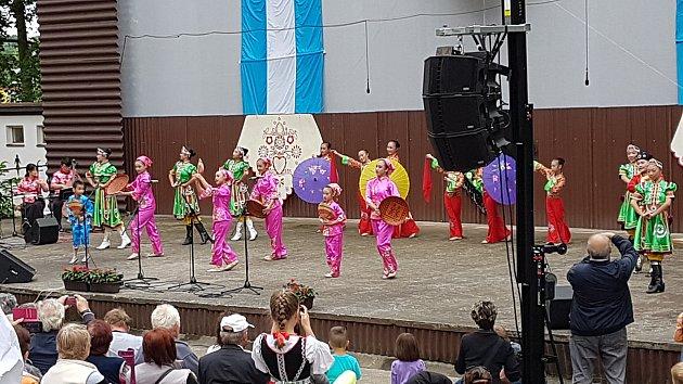 Ze závěrečného programu Chodských slavností Chodské legendy, který se konal v letním kině.