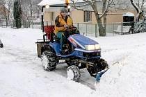 S přívaly sněhu si umí Pocinovičtí poradit.