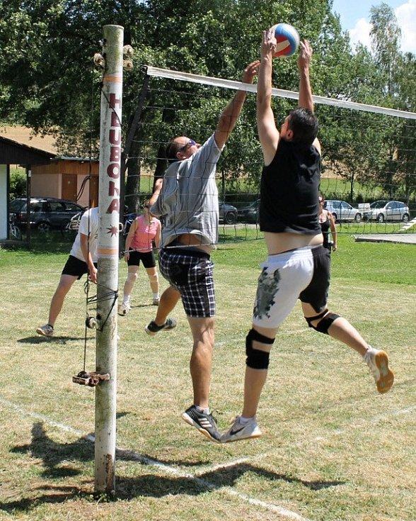 Volejbalový turnaj v Hluboké.