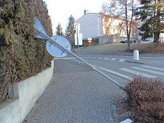 Řádění vandala v Bělé nad Radbuzou.