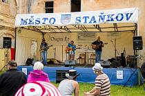 Folk a country festival v Čečovicích.